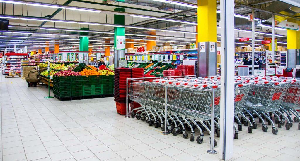 монтаж вентиляции в больших магазинах