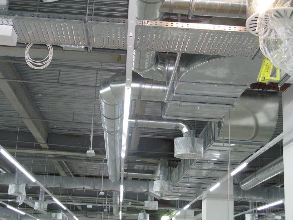 Монтаж систем вентиляции в малых помещениях